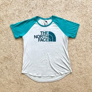 The North Face Women's T-Shirt Size L